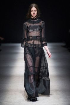 Alberta Ferretti at Milan Fashion Week Fall 2015 | Stylebistro.com