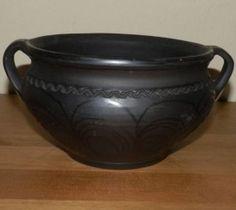 ceramica neagra Marginea Nativity, Pottery, Vase, Tableware, Native American, Pots, Ceramica, Dinnerware, The Nativity