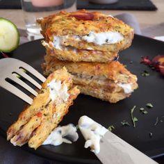 Bei dieser Low Carb Gemüserolle kommt wirklich jeder auf seine Kosten: sie ist glutenfrei, vegetarisch, super eiweißreich und eignent sich perfekt zum ...