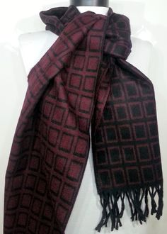 Men's Scarf Double faced Scarf Black and Claret red by PeraTime #handmadeatamazon #nazodesign