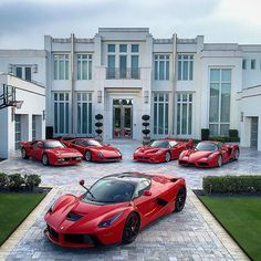 Porsche Inspiration : Ferrari LaFerrari (in front), Ferrari 288 GTO (far left), Ferrari (center le… Ferrari 288 Gto, Ferrari Laferrari, Maserati, Bugatti, Ferrari 2017, Luxury Boat, Best Luxury Cars, Ferrari 812 Superfast, F12 Berlinetta