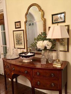 Foyer decorating – Home Decor Decorating Ideas Foyer Decorating, Interior Decorating, Interior Design, Decorating Ideas, Decor Ideas, Classic Home Decor, Classic House, Traditional Decor, Traditional House