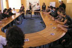 France : Les parents délégué(e)s de classe seront payé(e)s 7.10 euros par heure! http://www.humanosphere.info/2016/02/france-les-parents-deleguees-de-classe-seront-payees-7-10-euros-par-heure/