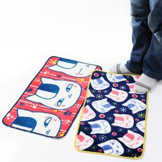 These floor mat feature the adorable Nyanko-sensei from Natsume's Book of Friends! Known for being the protagonist's mentor and one of the most popular characters from the series, Sensei is undoubtedly cute! This floor mat will warm your feet and bring more kawaiiness to your room!