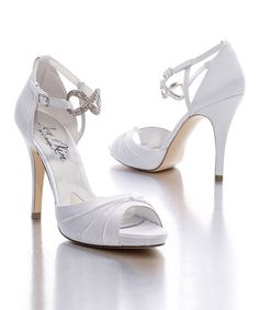 Wedding shoes ... Wedding ideas for brides, grooms, parents & planners ... https://itunes.apple.com/us/app/the-gold-wedding-planner/id498112599?ls=1=8 … plus how to organise an entire wedding ♥ The Gold Wedding Planner iPhone App ♥