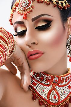 Makeup In The Style Of Bollywood