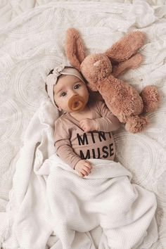 your first baby photos with our 100 . baby gifts - Take your first baby photos with our 100 … -Take your first baby photos with our 100 . baby gifts - Take your first baby photos with our 100 … - Baby Girl Headbands, Baby Girl Gifts, Baby Girls, Baby Twins, Baby Girl Bows, Baby Newborn, Baby Band, So Cute Baby, Pretty Baby