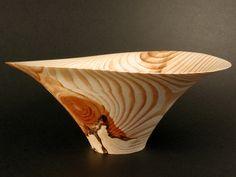 Great use of the grain figure in pine - - - - - - - - - - pine bowl full.jpg 2,048×1,536 pixels