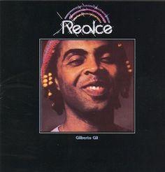 Realce (1979) est la contribution Disco Pop de Gilberto Gil à la musique brésilienne à l'image du Gal Tropical (1979) de Gal Costa et du Salve Simpatia (1979) de Jorge Ben Jor. 1979, l'apogée du Disco, et seul Caetano Veloso (Cinema Transcendental) semble...