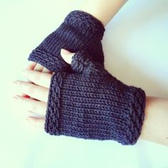 Easy Knit Fingerless Gloves Pattern by:-purlavenue