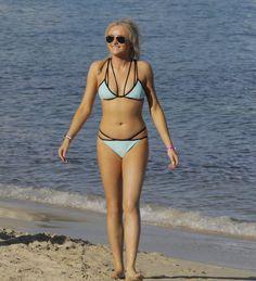Corrie's Brooke Vincent sizzles in string bikini as she enjoys girls' holiday in Mallorca Brooke Vincent, Enjoy Girl, Coronation Street, Celebs, Celebrities, Celebrity Feet, Sexy Body, Nice Tops, String Bikinis