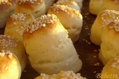 Babette: Vajas pogácsa Pastry Recipes, My Recipes, Baking Recipes, Croatian Recipes, Hungarian Recipes, Savory Pastry, European Cuisine, Bread And Pastries, Food And Drink