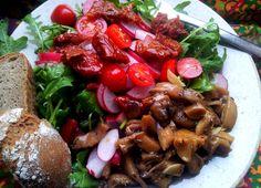 RAW, vegan, vegetarian Lahodná příprava hub - tepelně nezpracované houby jsou mohou být totiž velmi lahodné a šťavnaté ! V…