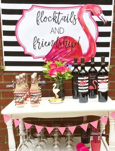 Flamingo party ideas and outdoor movie night inspiration styled by Giggle Living. Party treats and flamingo party decorations and printables! Pink Flamingo Party, Flamingo Birthday, Pink Flamingos, Flamingo Art, Baby Showers, Ladies Night Party, Hawaian Party, Friendship Party, Tropical Party