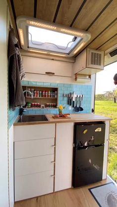 Van Conversion Interior, Camper Van Conversion Diy, Van Interior, Van Conversion Videos, Van Conversion With Bathroom, Campervan Conversions Layout, T4 Camper Interior Ideas, Van Conversion Kitchen, Enclosed Trailer Camper Conversion