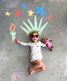 Chalk Drawings Sidewalk Discover Our Chalk World sidewalk art chalk art Lucys Chalk World kids crafts creative kids sidewalk chalk American child Chalk Photography, Creative Photography, Food Art For Kids, Crafts For Kids, Chalk Pictures, Sidewalk Chalk Art, Chalk Drawings, Chalkboard Art, Creative Kids
