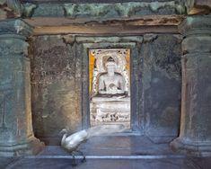 karen knorr.Attaining Moksha, Ajanta Caves, Ajanta