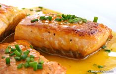 Salmón a la naranja Fırın yemekleri Healthy Dinner Recipes, Healthy Snacks, Healthy Eating, Cooking Recipes, Dinner On A Budget, Fish Recipes, Salmon Burgers, Italian Recipes, Food Videos