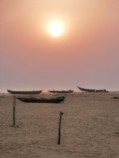 Bénin grand popo, spent some days there in my childhood. First Instagram Post, West African Countries, Honeymoon Destinations, Africa Travel, Weekend Trips, Where To Go, Adventure Travel, Travel Inspiration, Tourism