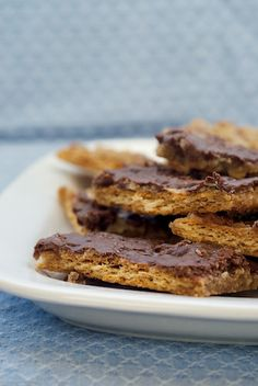 Salted Caramel Pecan Bars - Looks like a skinny dessert to me. ;)  Thanks Bake or Break!