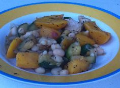 Een eenpansgerecht volgens de voedselzandloper: Kipfilet met courgette en wilde perziken.