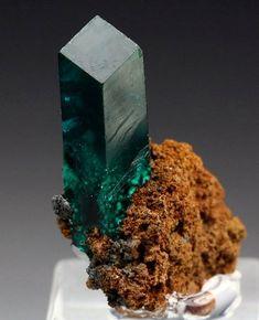 A great single dioptase crystal from Christoph Mine, Kaokoveld, Kunene Region, Namibia Photo: schani Amazing Geologist
