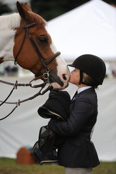 I love to see little girls in English riding gear. My Horse, Horse Love, Horse Girl, Horse Riding, Riding Gear, Pretty Horses, Beautiful Horses, Animals Beautiful, Cute Animals