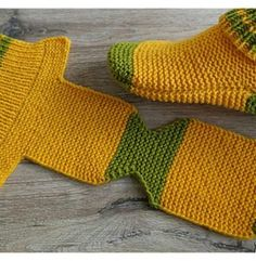 Good Images knitting slippers flat Popular Flat Knit Slippers Free Knitting Pattern and Video Tutorial Knitting Patterns Free, Knit Patterns, Free Knitting, Sewing Patterns, Knit Slippers Free Pattern, Crochet Slipper Pattern, Crochet Quilt, Crochet Baby, Two Needle Socks
