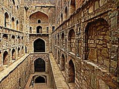 This is one of the hidden attractions in Delhi. Located near Connaught Place, few are even aware of this amazing Agrasen ki Baoli on Hailey Road. It is an ancient stepwell built for purpose of drinking water for locals and merchants.