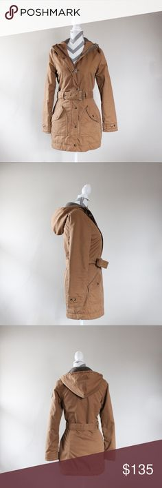 The North Face Women's Coat Gently used The North Face coat. Excellent, like new condition. North Face Jackets & Coats
