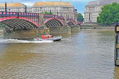 london fire boat on river thames