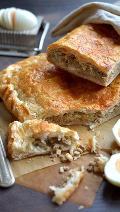 Jauhelihapasteija-piirakka   Maku Savoury Baking, Savoury Cake, Pastry Recipes, Dessert Recipes, Desserts, No Salt Recipes, Baking Recipes, Finnish Recipes, Sandwich Cake