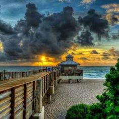 Juno beach pier house