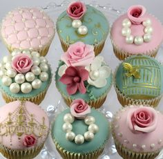 Royal pearl cupcakes. Girly Party. Sweet tooth.