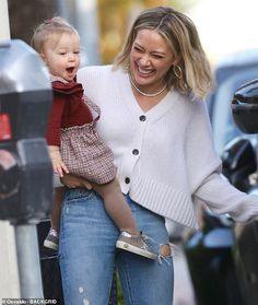 Hilary Duff shows off her fall fashion with a white cardigan while out for ice cream with Banks Hilary Duff Show, Hilary Duff Style, White Cardigan, The Duff, Sophisticated Style, Mom Style, Style Inspiration, Style Ideas, Summer Looks