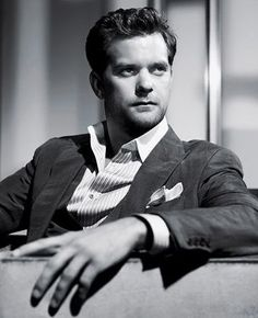 Joshua Jackson gets better with age!