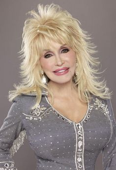 Dolly Parton my idol I look up to her and all her dreams she's amazing Dolly Parton Wigs, Medium Hair Styles, Curly Hair Styles, Dolly Parton Pictures, Grey Wig, Frontal Hairstyles, Layered Hair, Blue Hair, Lace Wigs