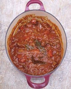 No one makes home affable attending absolutely as simple as celebrity chef Jamie Oliver. In his own kitchen (and throughout his many, abounding TV alternation Beef Casserole Recipes Jamie Oliver Beef And Ale Stew, Slow Cooker Recipes, Cooking Recipes, Nigella, Slow Cooked Beef, Stewing Beef Recipes, Goulash, Soups And Stews, Food And Drink