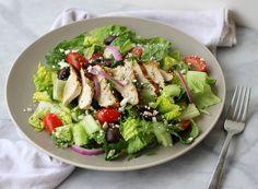 Salata greceasca cu pui