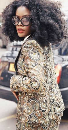A Suit in Jacquard and that hair <3<3 - so chic!