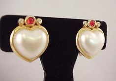 Vintage 1980s Faux Pearl Heart Shaped Orange Cabochon Gold Tone Clip Earrings #NotMarked #Cluster