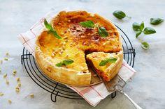God og mettende pai med kjøttdeig. Paien passer godt når hele familien skal kose seg, enten det er til hverdags eller på lørdagskvelden. Hvis du ønsker å spare tid, kan du bruke fersk ferdig paibunn fra Nå.