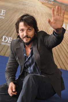 http://www.galaxypicture.com/2016/12/diego-luna-hollywood-actor.html