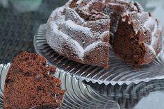 Red wine cake, nice and juicy - Food Recipes Home Vegan Breakfast Recipes, Vegan Recipes Easy, Sweet Recipes, Baking Recipes, Crescent Roll Apple Dumplings, Cheesecake, Sweet Cakes, Fabulous Foods, Vegan Chocolate