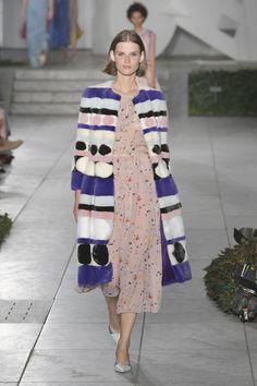 Desfile Carolina Herrera New York Fashion Week Primavera Verano 2018