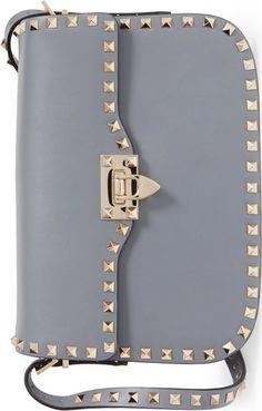 •Website: http://www.cuteandstylishbags.com/portfolio/valentino-light-stone-rockstud-shoulder-bag/ •Bag: Valentino Light Stone 'Rockstud' Shoulder Bag