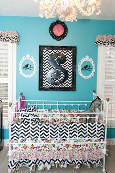 love the chevron mixed with shabby chic! @Sarah Patterson