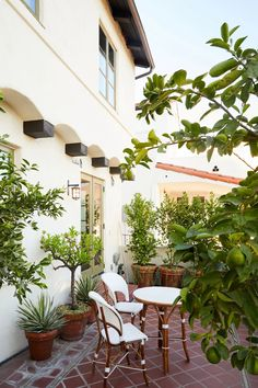 For an atypically young client in L.'s leafy Hollywood Hills, the architect and decorator found a mutually rewarding design challenge Spanish Style Homes, Spanish Colonial, Outdoor Balcony, Outdoor Decor, Outdoor Spaces, Hinoki Wood, Hollywood Hills Homes, Mexico House, Moroccan Lanterns