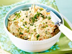 Lachsaufstrich zu Röstbrot Rezept Mayonnaise, Potato Salad, Mashed Potatoes, Cravings, Brunch, Food And Drink, Appetizers, Snacks, Cooking