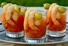 Spicy Bloody Mary Shrimp Shots, perfect for New Year's Day Brunch! Two of my boy's favorites in one! Brunch Drinks, Yummy Drinks, Cocktails, Cocktail Shots, Cocktail Food, Cocktail Ideas, Brunch Party, Sunday Brunch, Fun Drinks